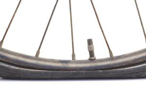 Lekke band? Wereldfietsen Zwolle repareert hem voor u